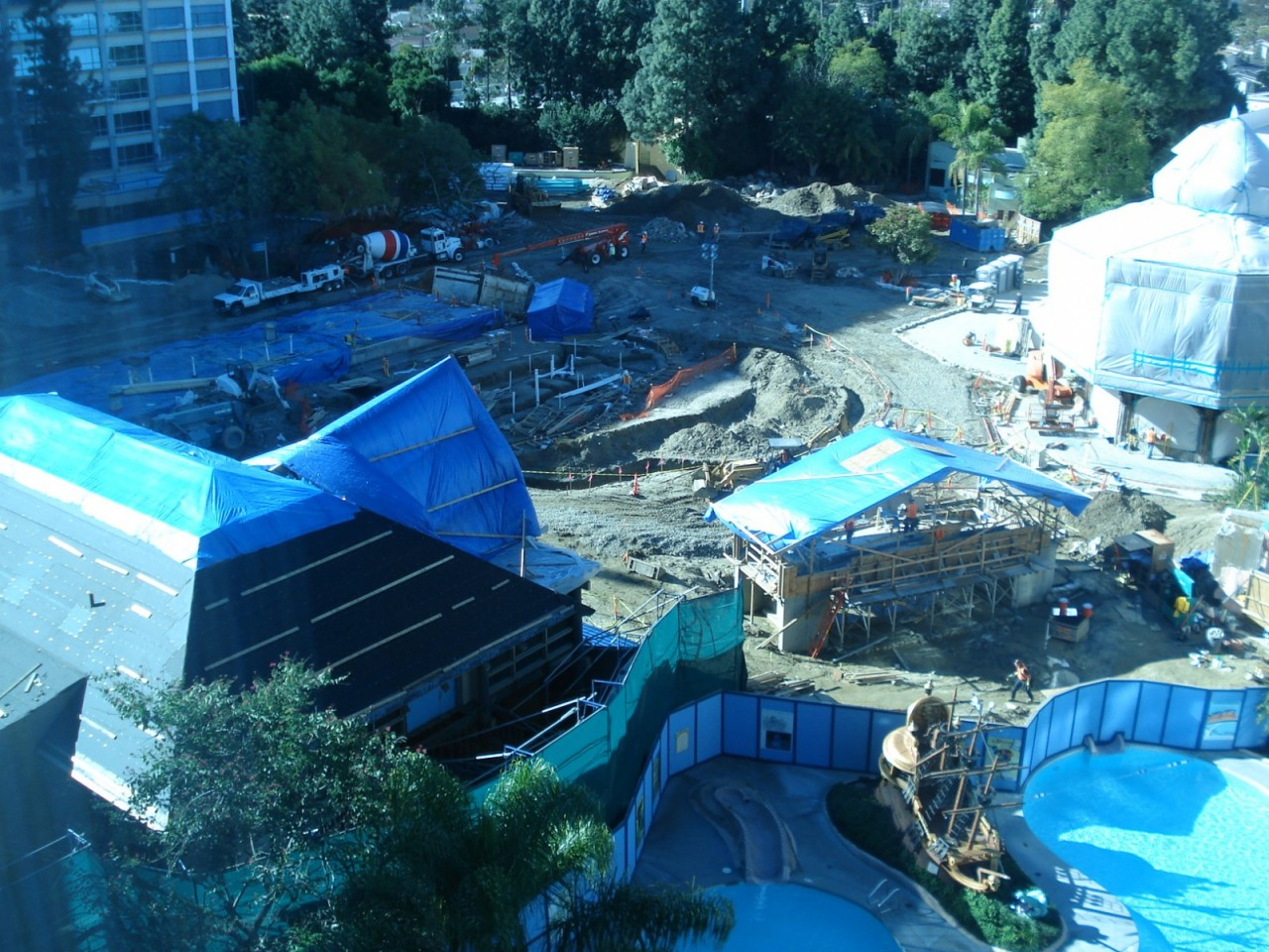 Disneyland Hotel Courtyard view from January