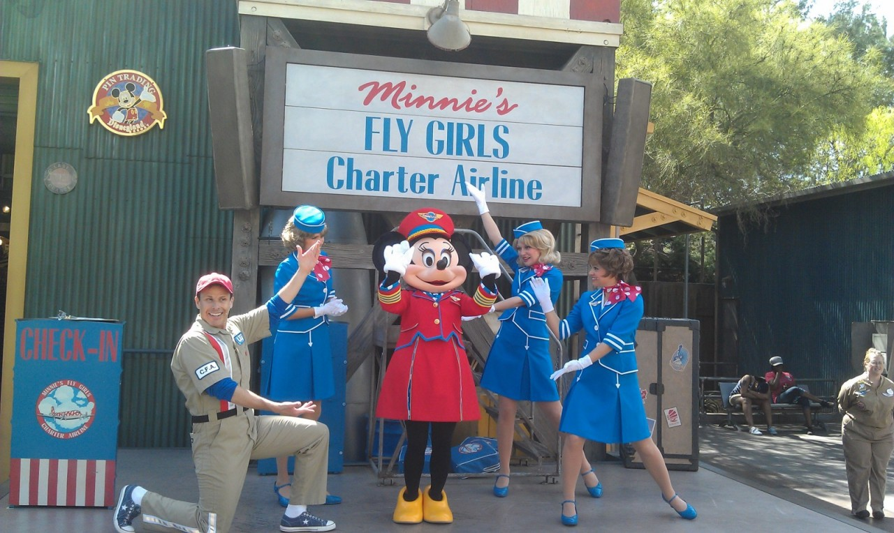 Minnie has had a wardrobe change she no longer wears the aviator outfit.