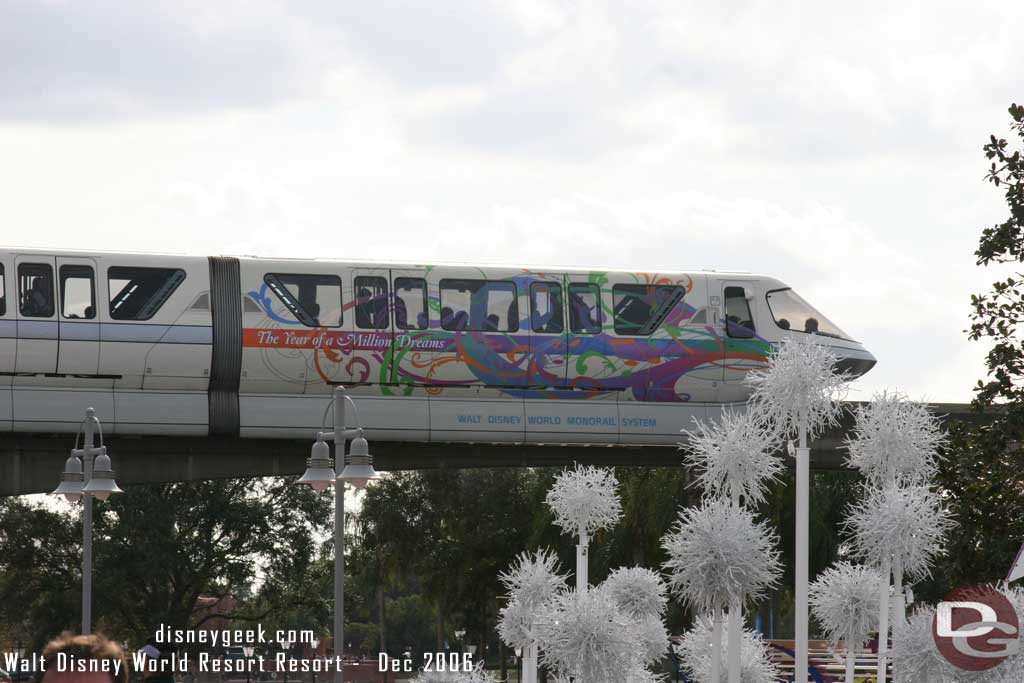 Disney Monorail Wraps??