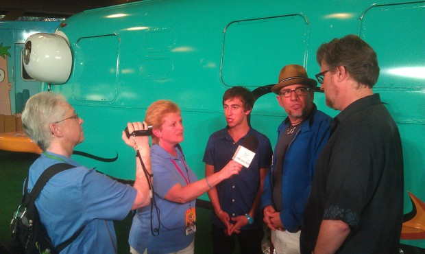 @allearsdeb & @dcdeb_allears interviewing the Phineas & Ferb team.