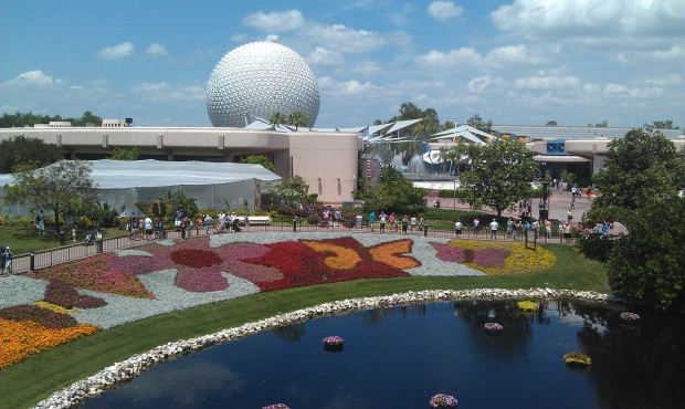A last look at the flower beds @ EPCOT from the monorail.