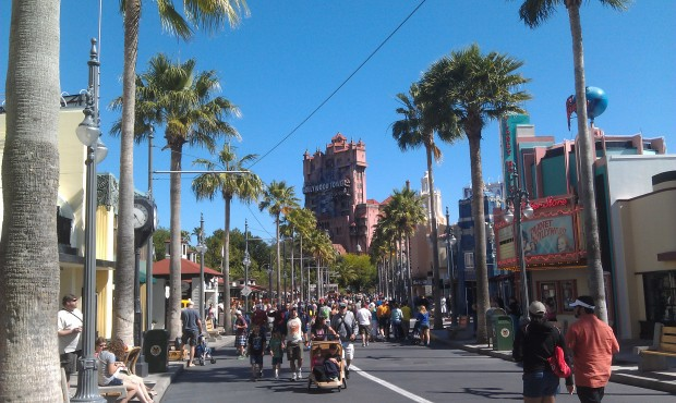 A look down Sunset Blvd as the crowds are picking up a bit.