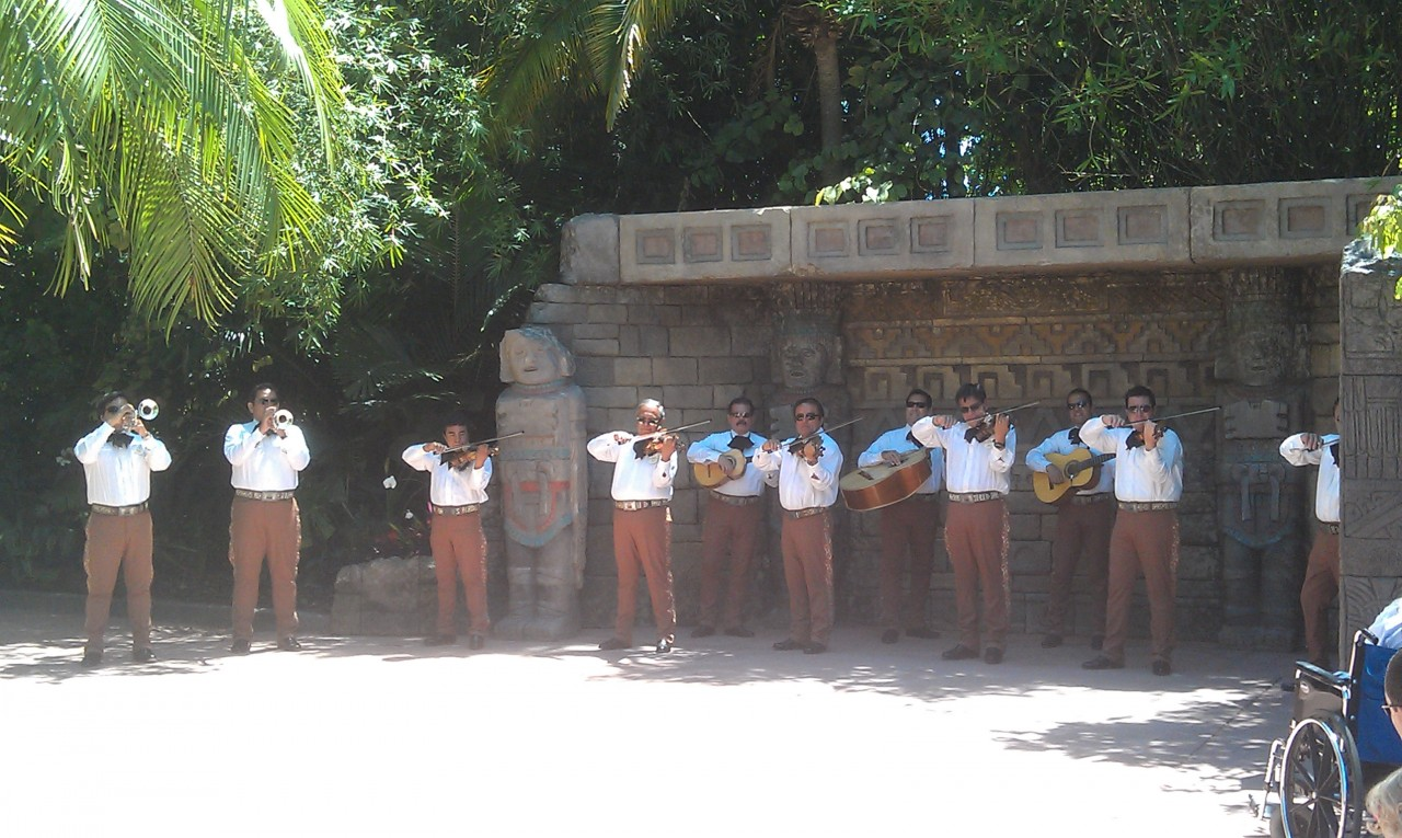 Mariachi Cobre performing by Mexico
