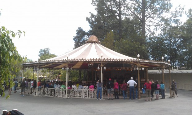 Only a few weeks left to enjoy the Plaza Gardens in its current form.   It closes the 30th.