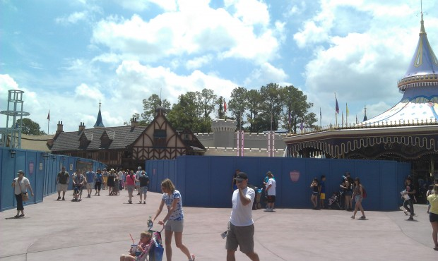 Some new walls in Fantasyland, on the right in this shot.