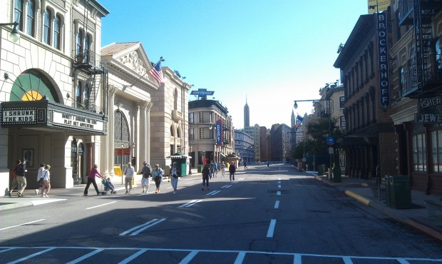 The Streets of America are nice and quiet this morning