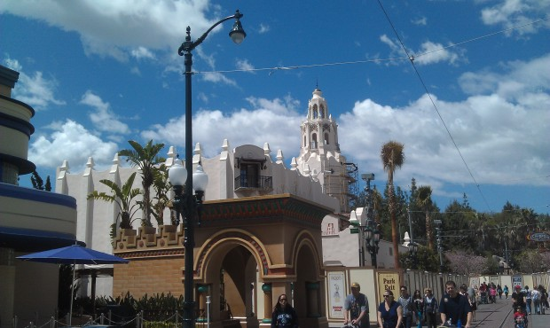 The elephants are gone from the entrance to Hollywood Land.  Also new scaffolding up on the Carthay.