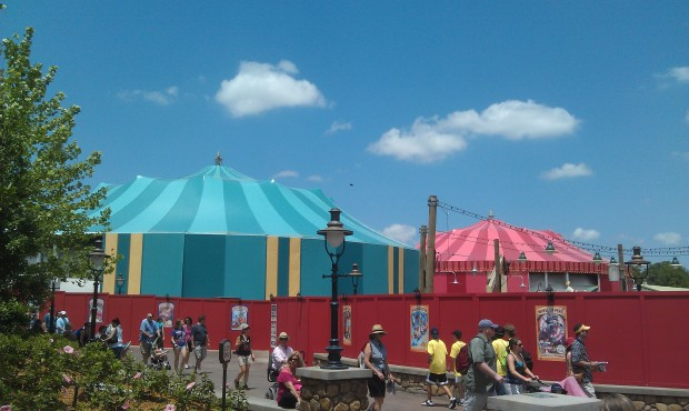 The side cover is going on the teal tent.