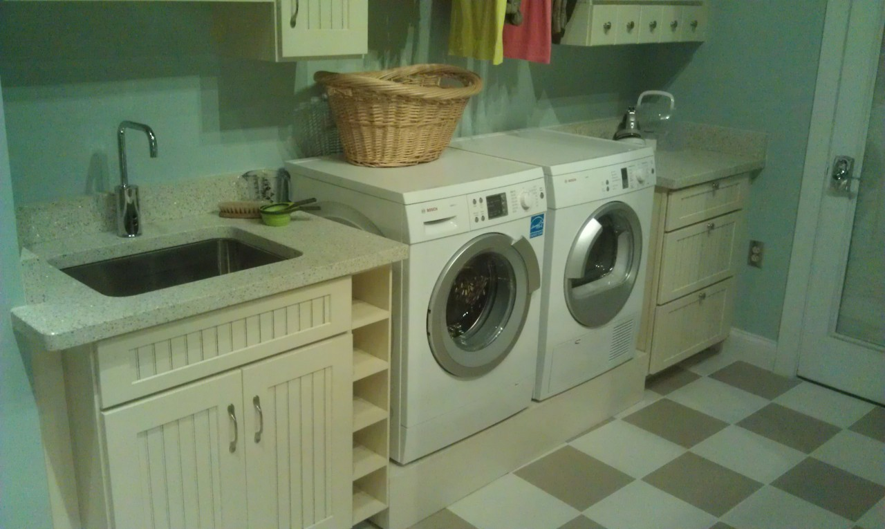 To close this quick look the laundry room.  Many more pics will be in my full update when I return home.
