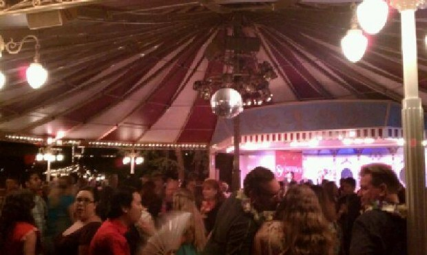 Tonight is the final night of swing dancing at Plaza Gardens and there is a heavy crowd.