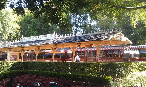 Anyone know what is going on with the Disneyland Railroad?  For the past couplr of hours seen empty trains.
