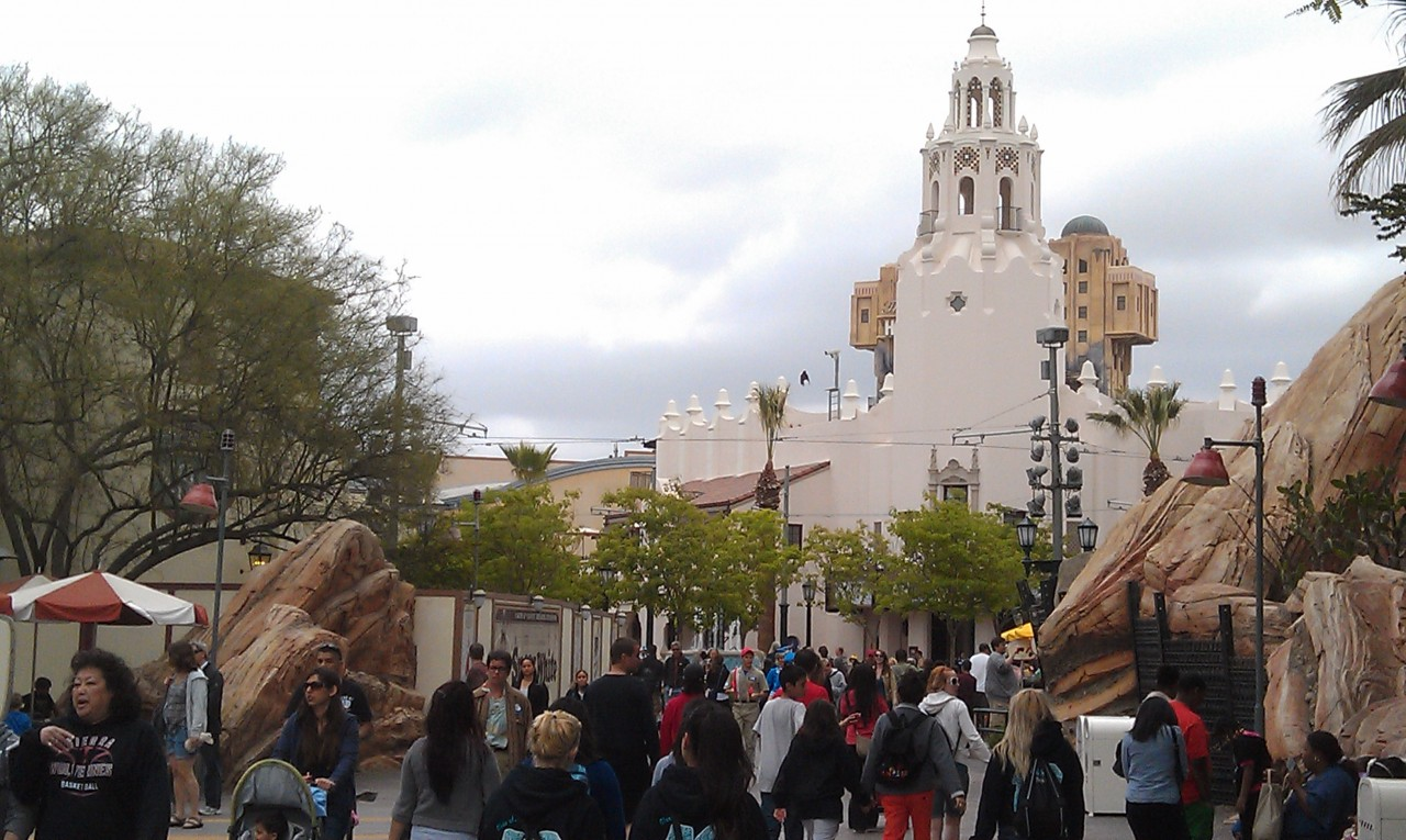 Approaching Carthy Circle.  The walls have been moved and the Carthay and Fountain are now visible/accessible.