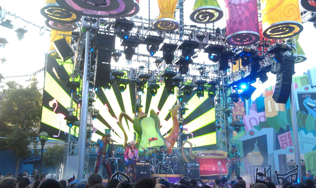 Mad T Party band performing