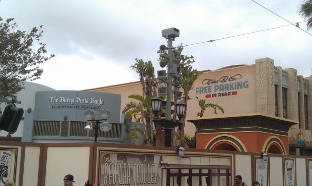 The Elias & Co sign is new also the scaffolding is gone from around the entrance.