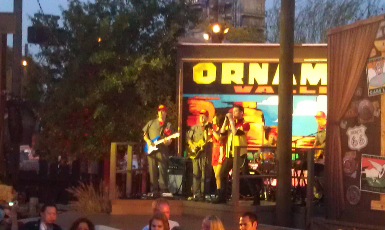 A band entertaining us while we wait for the #CarsLand opening