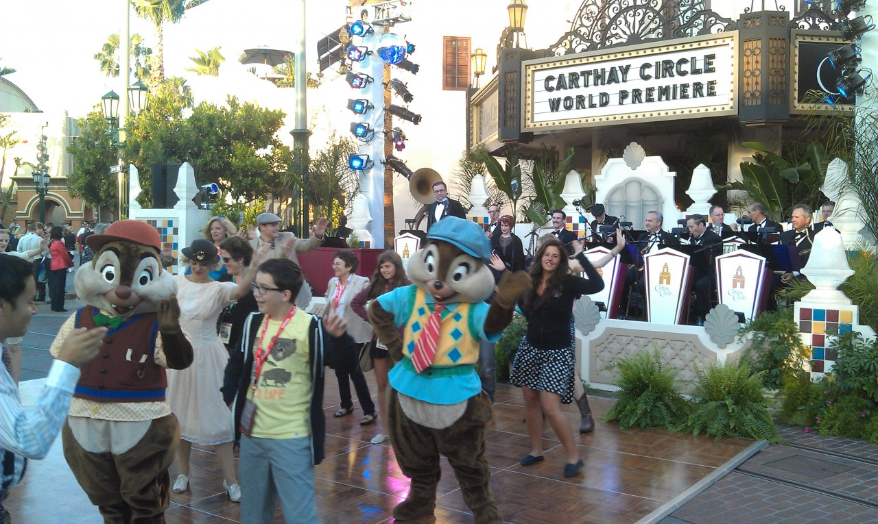 Chip and Dale learning the Charleston
