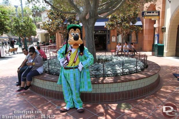 Goofy on Buena Vista Street