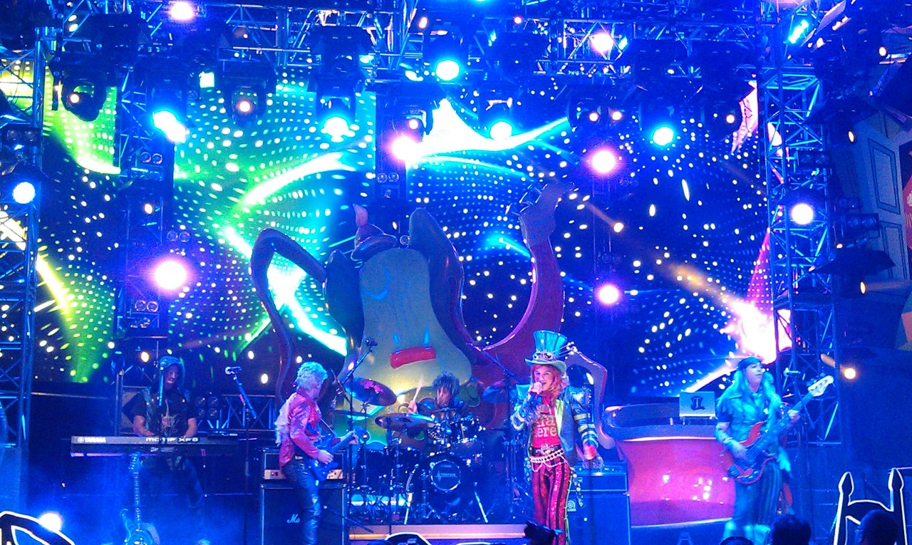 #MadTParty time…