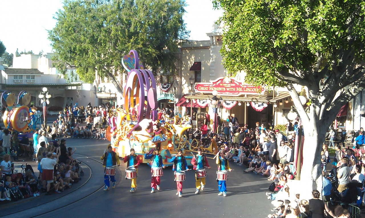Soundsational making its way through Town Square.