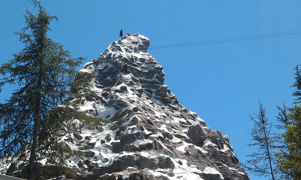 Always nice to see the climbers in action on the Matterhorn, but miss the music they had on 6/15.
