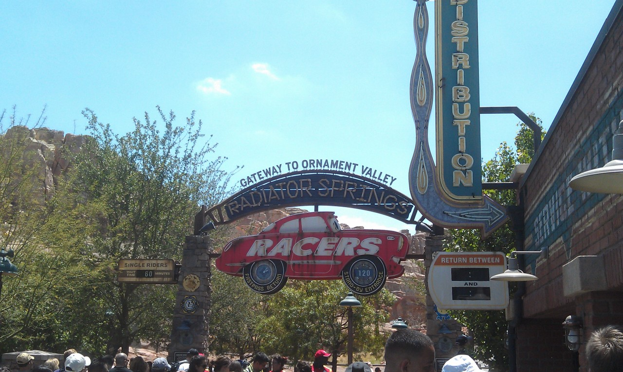 Racers are currently 120 min standby and 60 for single rider.  Flying Tires 75 in #CarsLand