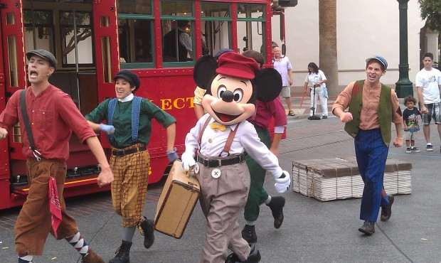 Mickey with a suitcase and a dream on #BuenaVistaStreet