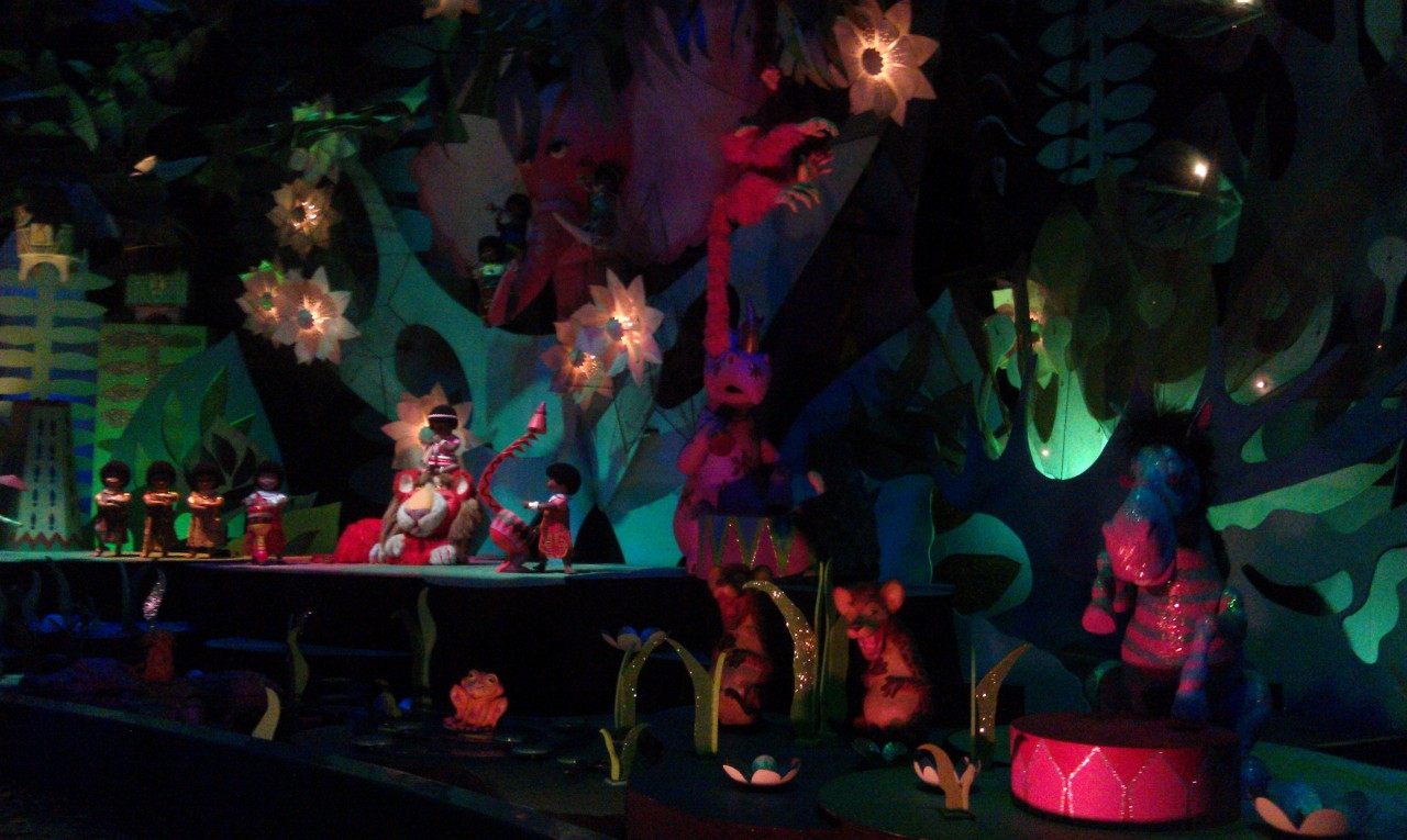 Random picture for all you Its a Small World fans…