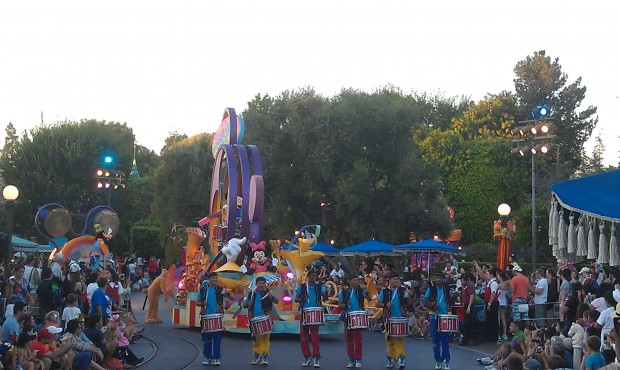 FYI 6:30 Soundsational started at Small World and appears to be full parade.