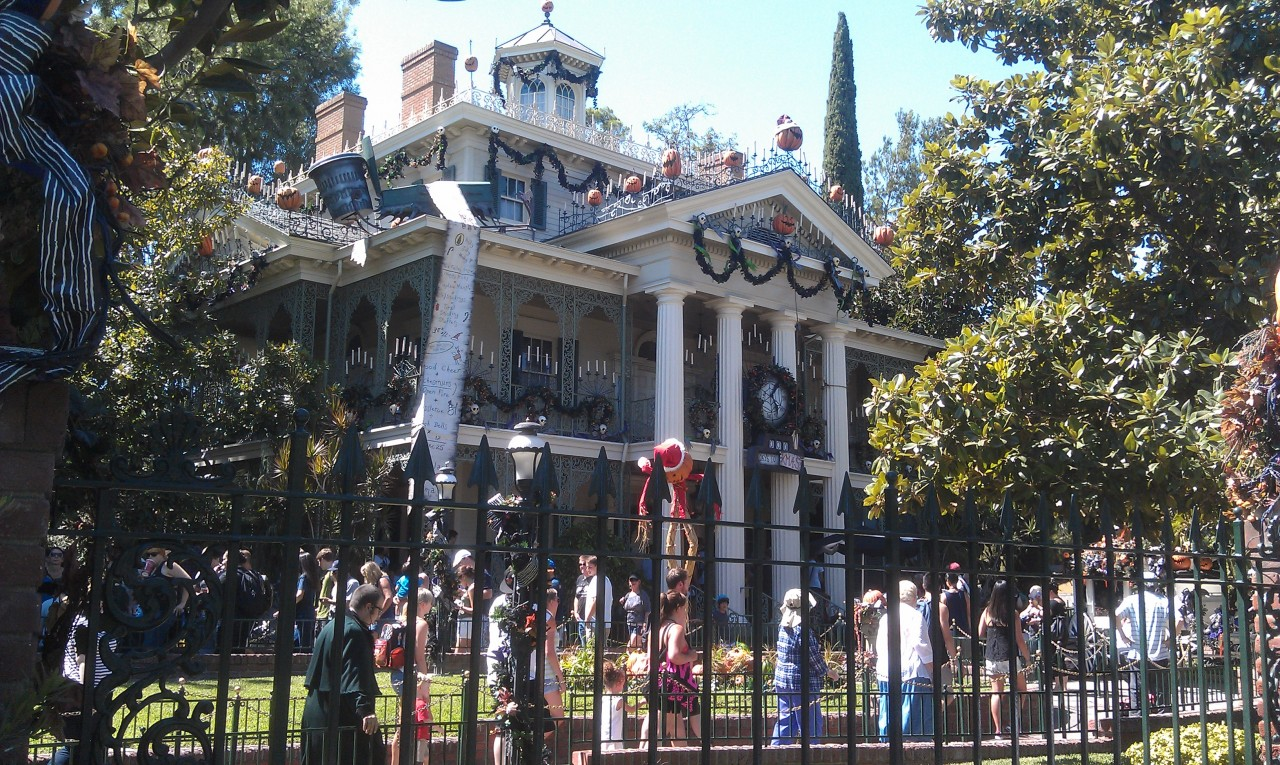 Haunted Mansion Holiday opened today.  No FastPass this afternoon, 25 min wait