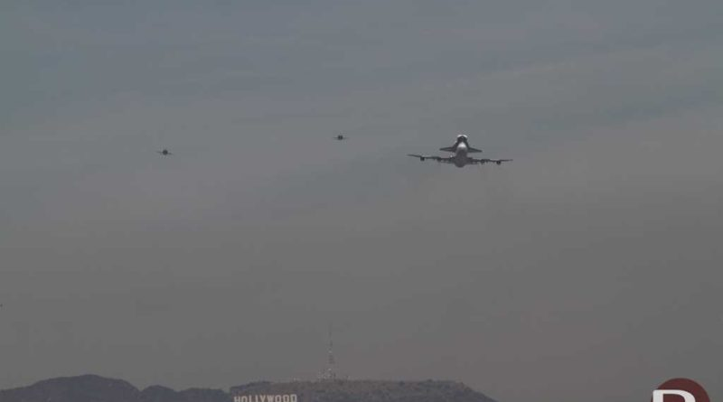 Space Shuttle Endeavour arriving in Los Angeles
