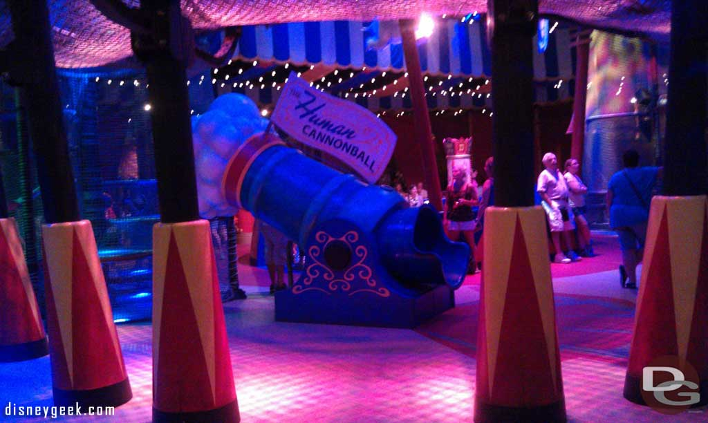 Stopped by the new indoor standby waiting area for Dumbo since it was not open yet last trip.