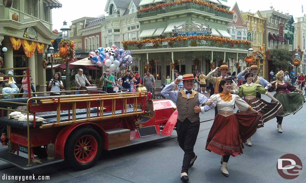 The Main Street Trolley show without the trolley today.