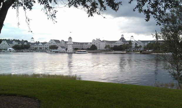 The Yacht club as I headed for dinner at the Board Walk earlier.