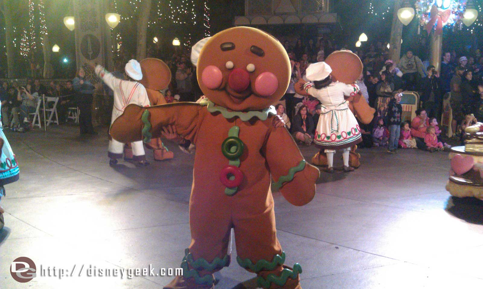 Gingerbread people passing by during a Christmas Fantasy