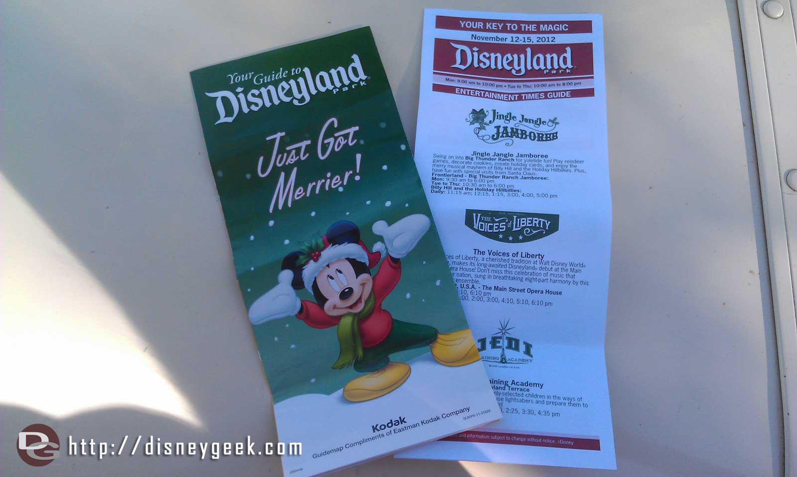 Disneyland holiday park guide