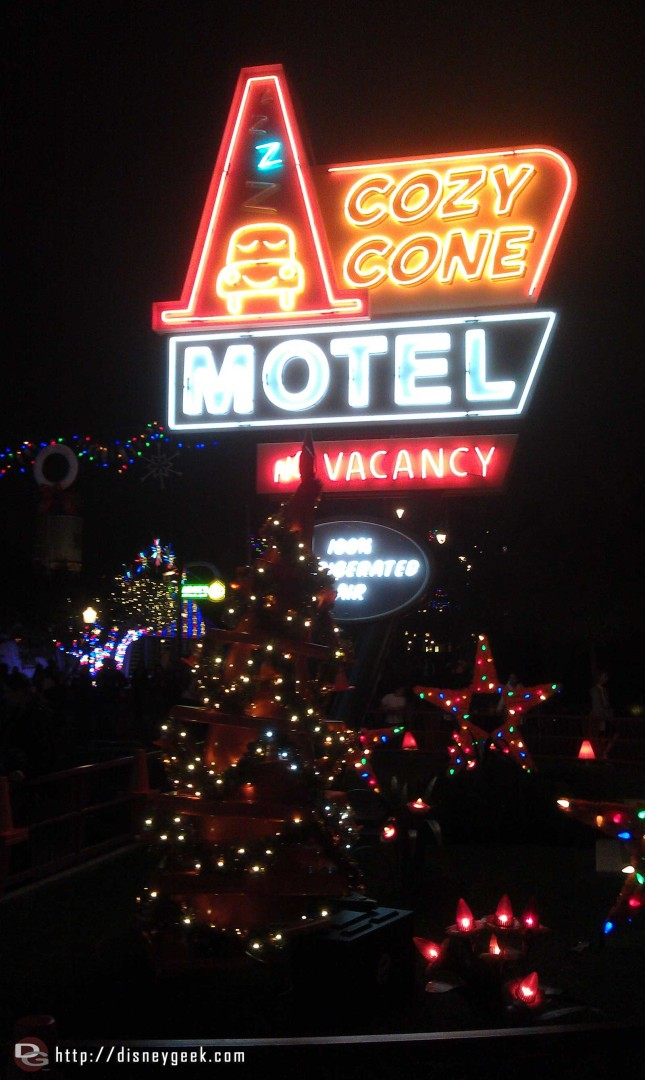 The Cozy Cone tree is lit this evening in #CarsLand