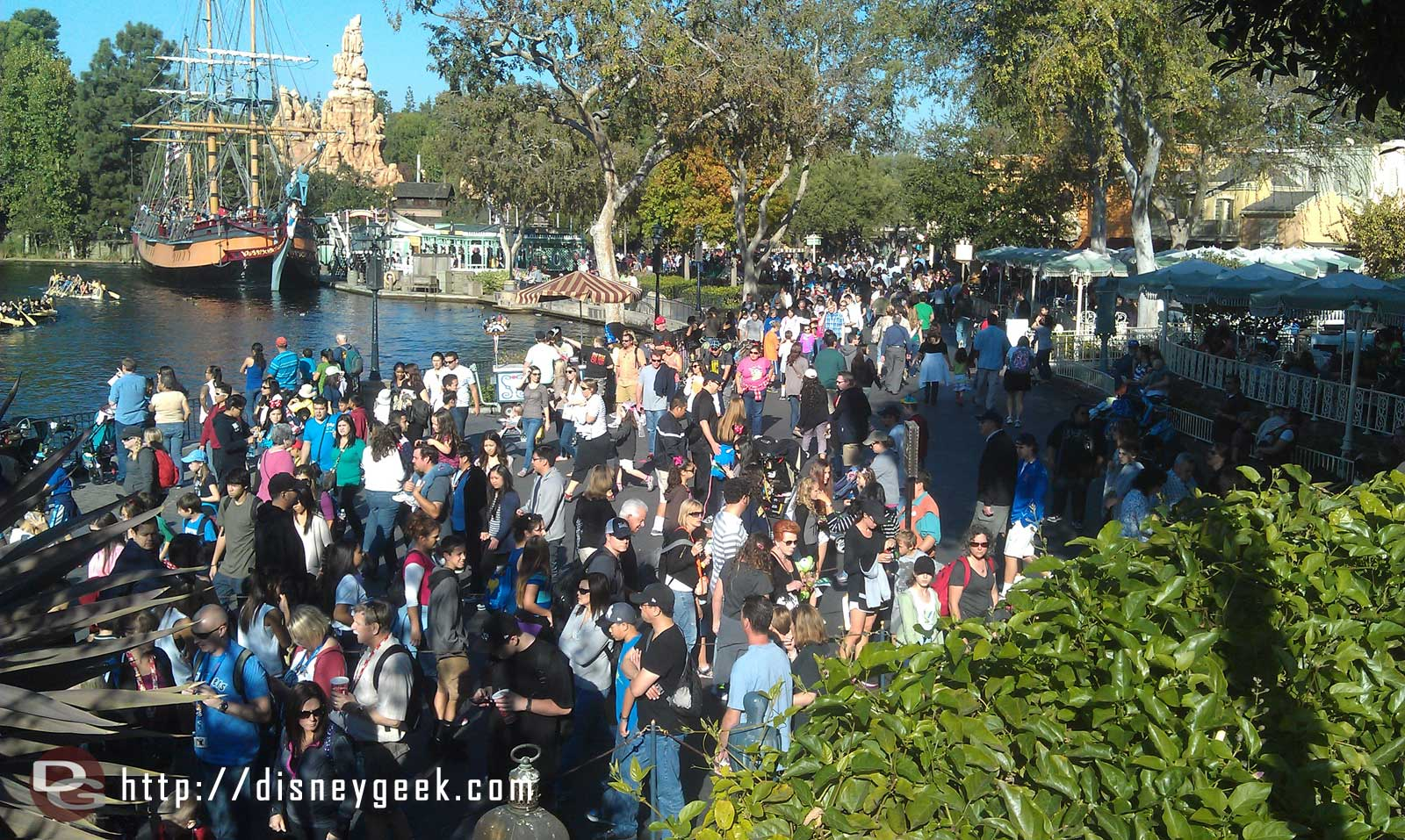 The view from the Pirates bridge toward Frontierland.  A healthy crowd in the park this afternoon.