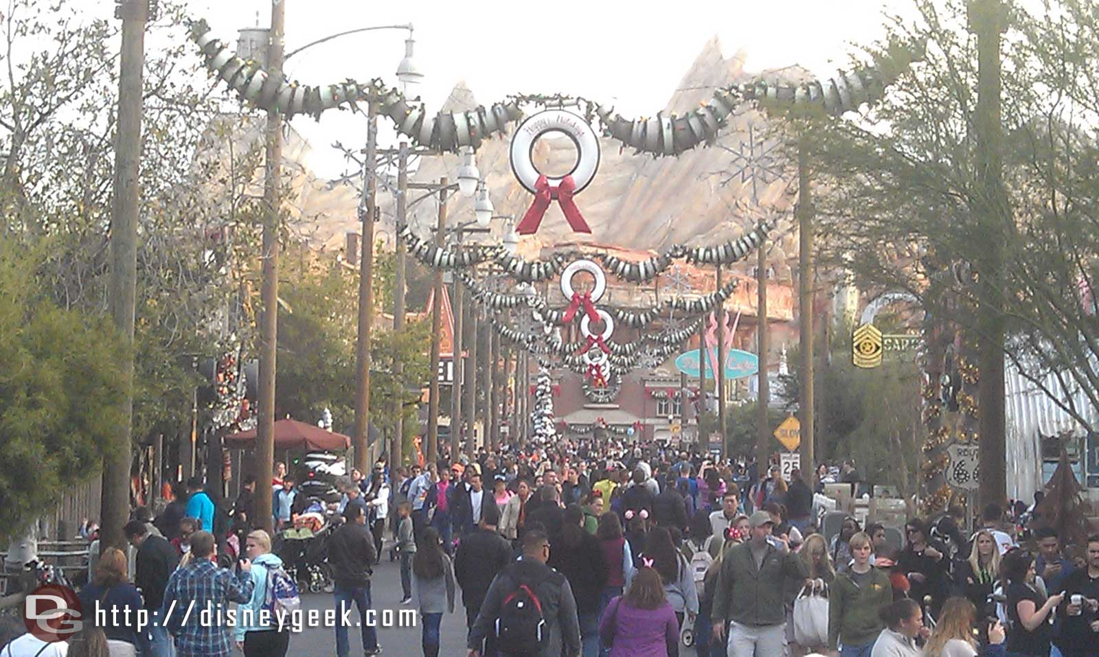 A look down a fairly crowded Route 66 this afternoon in #CarsLand