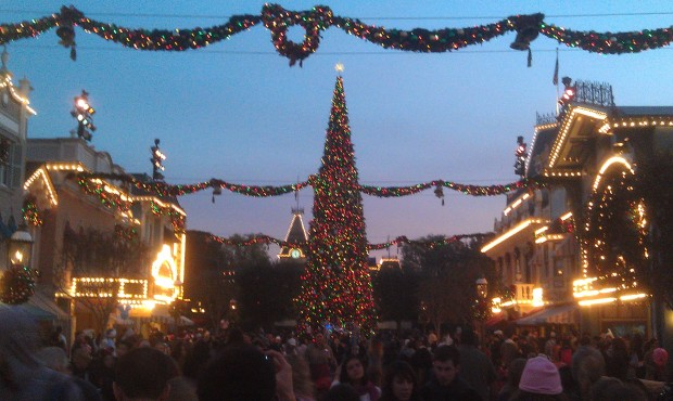 Disneyland tree lighting is the brief audio recording again this year, was hoping a small show returned, no such luck
