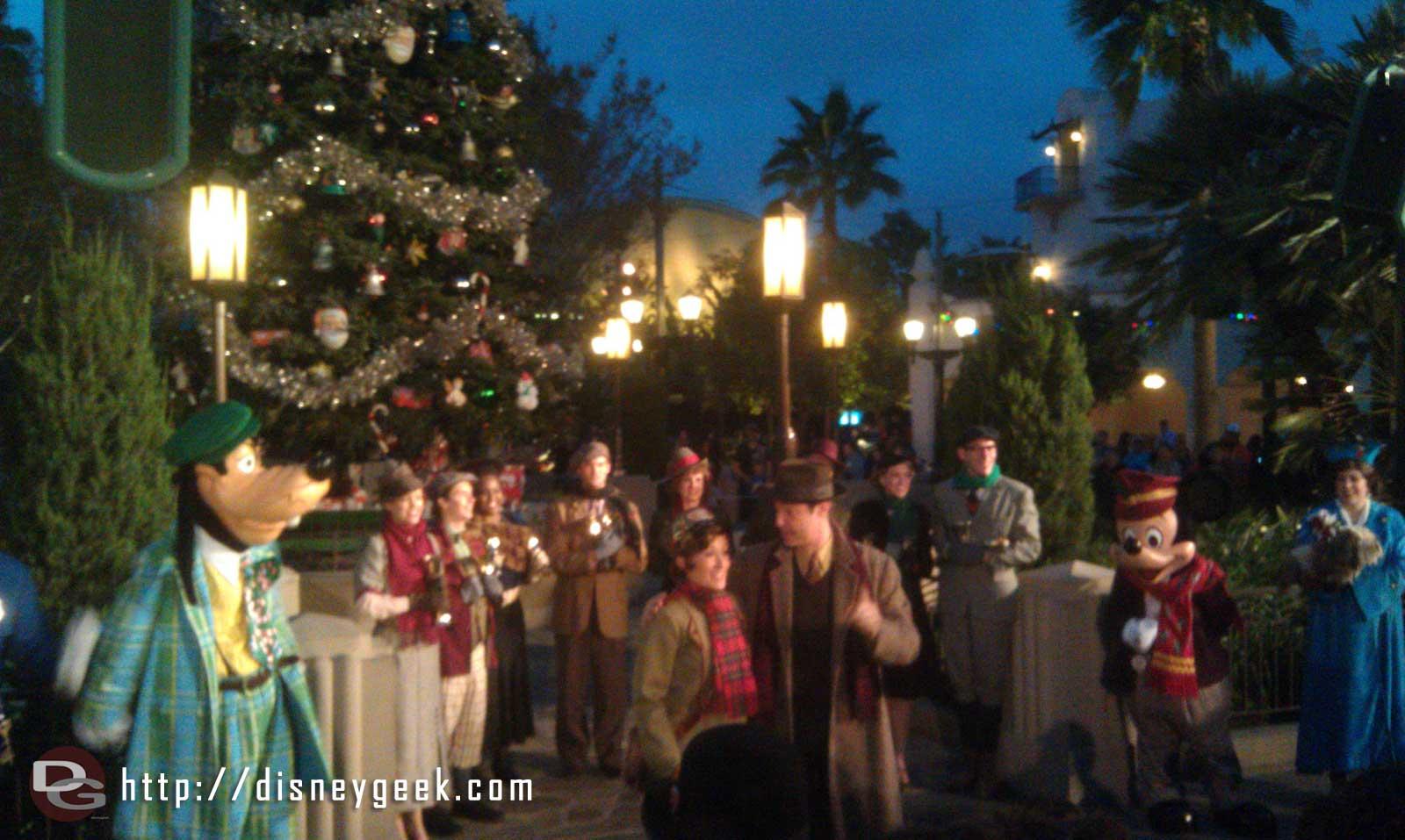 Lighting the tree on #BuenaVistaStreet