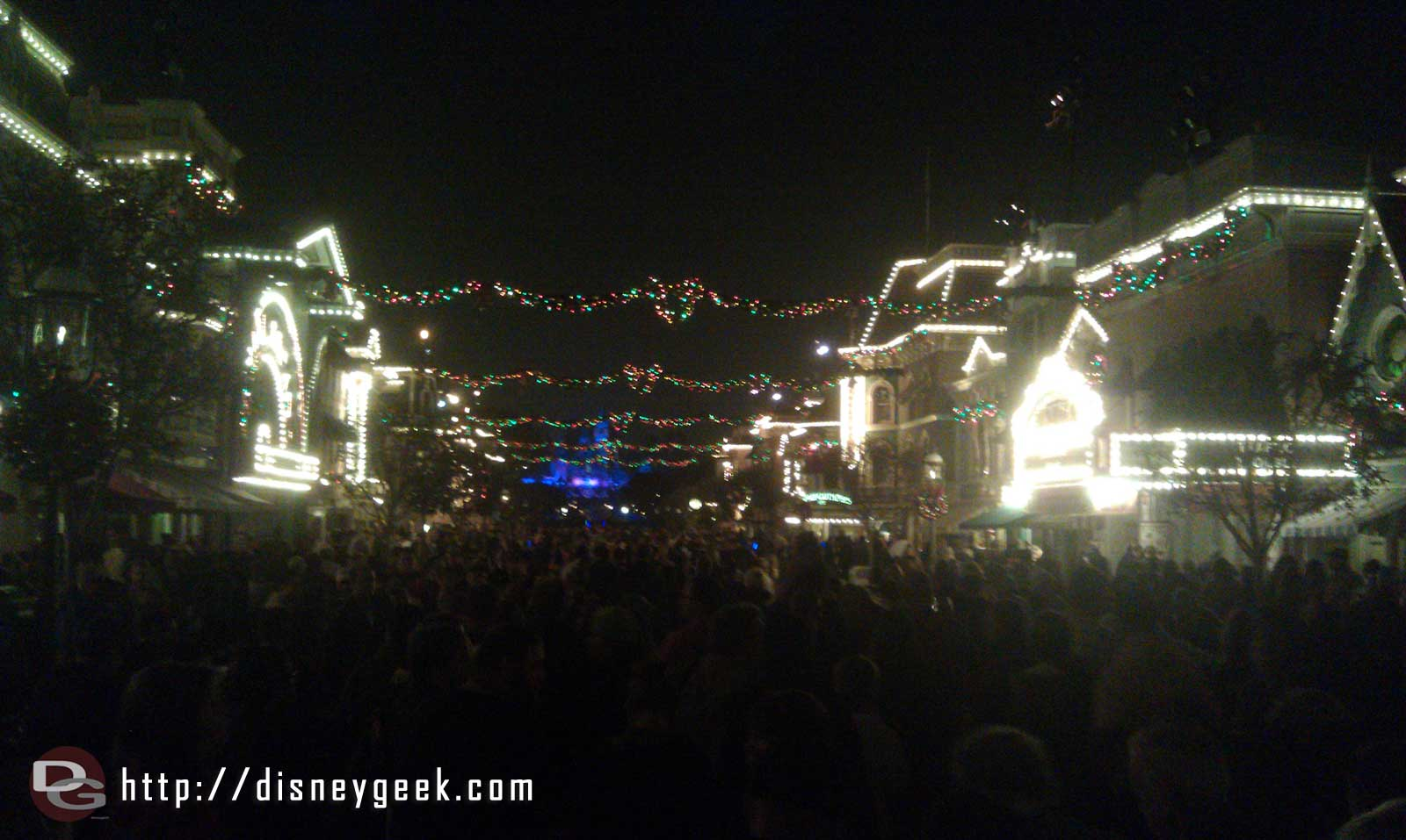 Main Street after the Candlelight.  Full of guests but they are moving still.