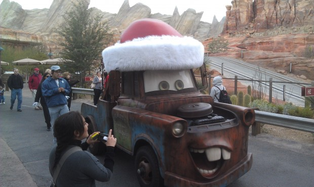 Santa Mater cruising through #CarsLand