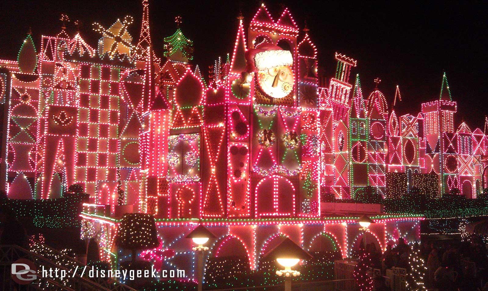Small World Holiday – lights