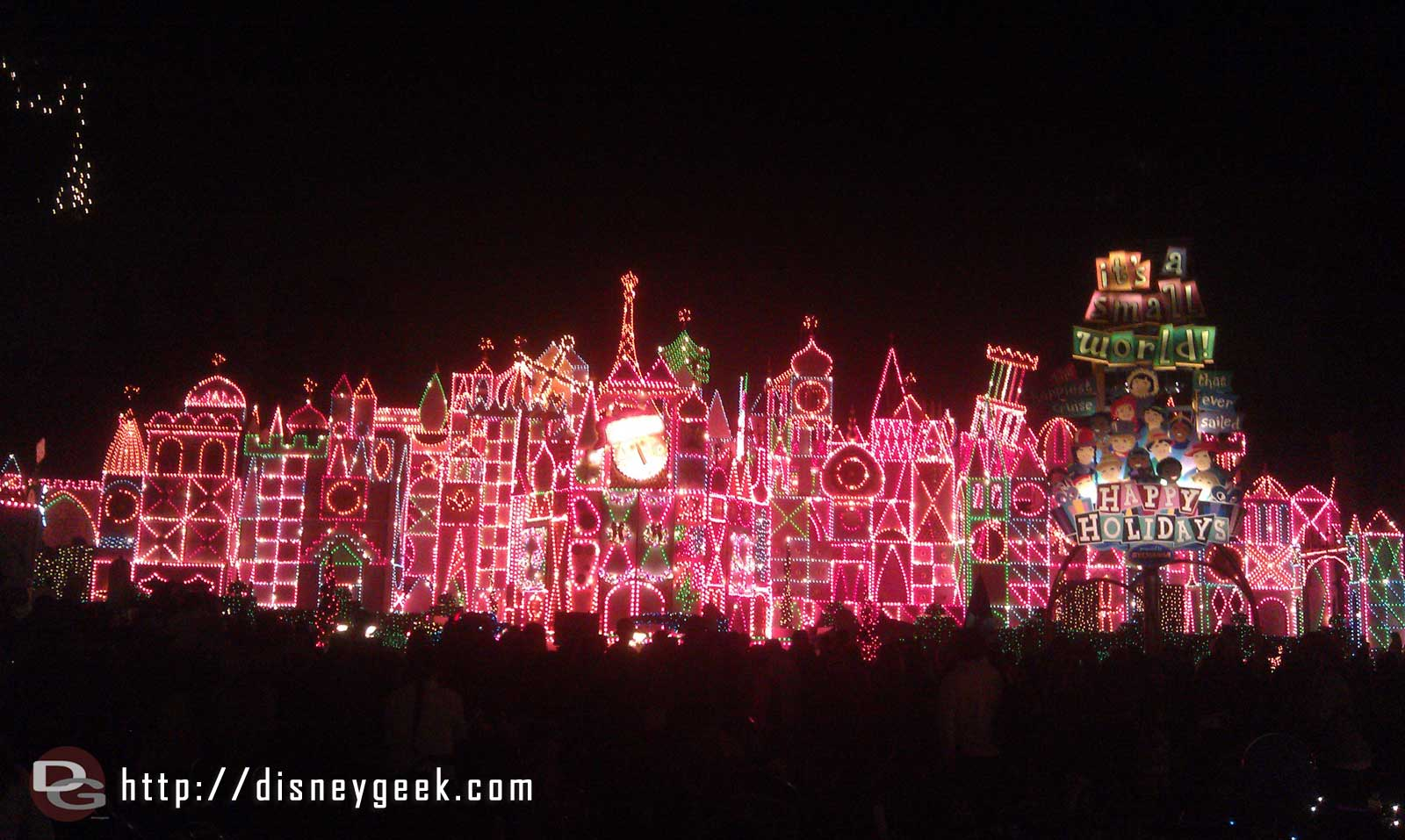 Small World Holiday tonight.  Why is the quarter hour projection/light show so bad this year?