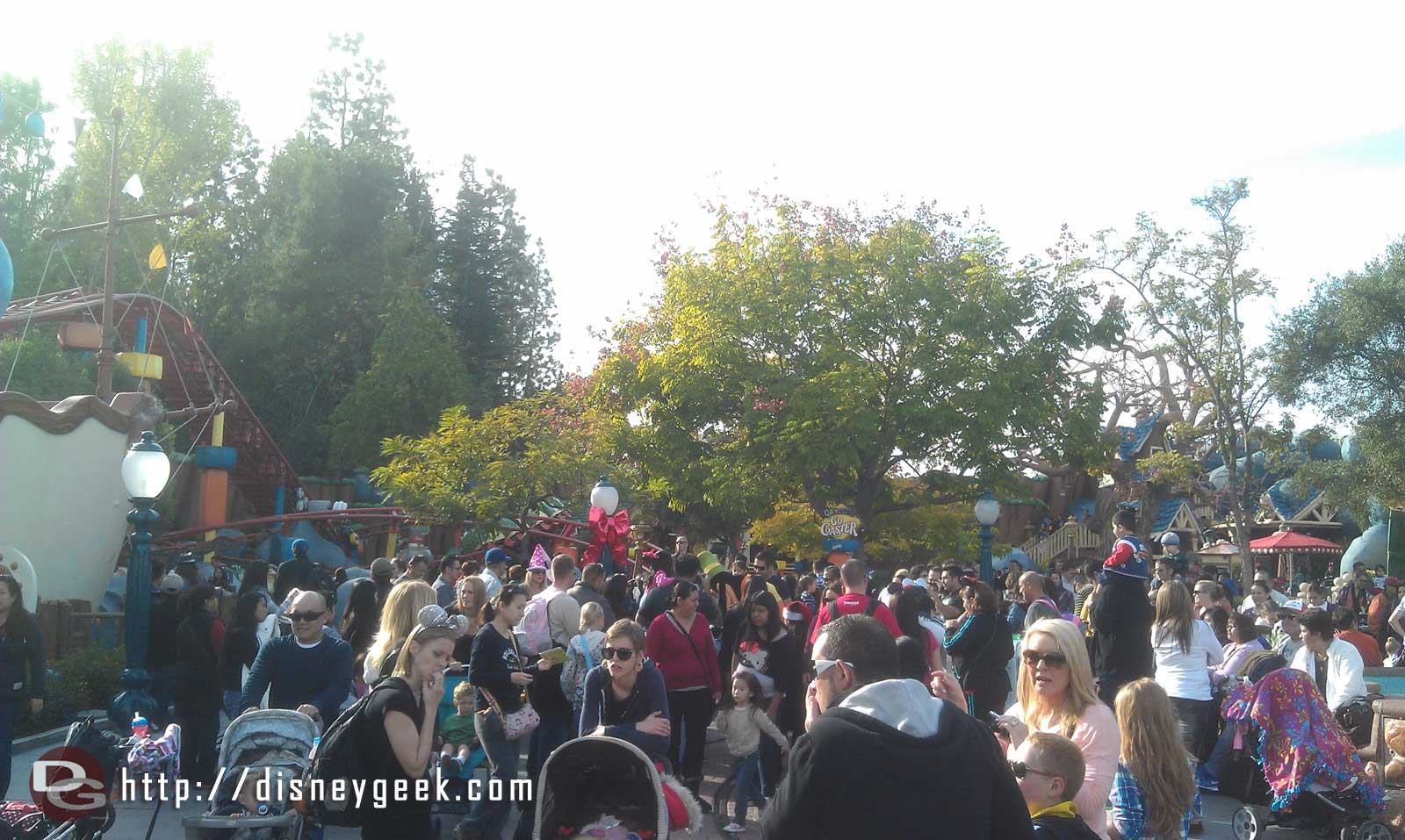 The holiday crowds are here, can you spot Goofy in this crowd in Toontown