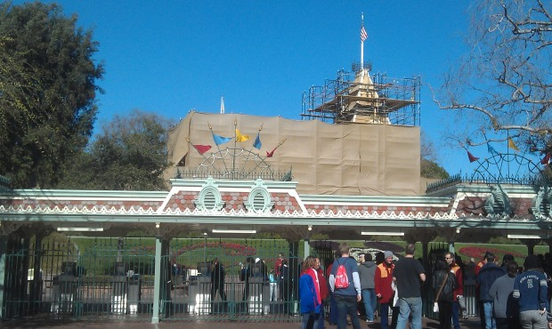 Just arrived at #Disneyland fir the afternoon, looks a little different this week.