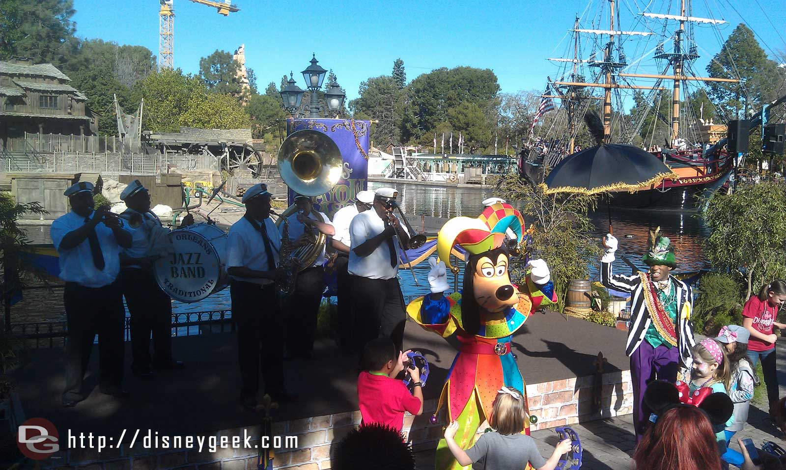 The traditional jazz band plus Goofy performing along the Rivers of America #LimitedTimeMagic