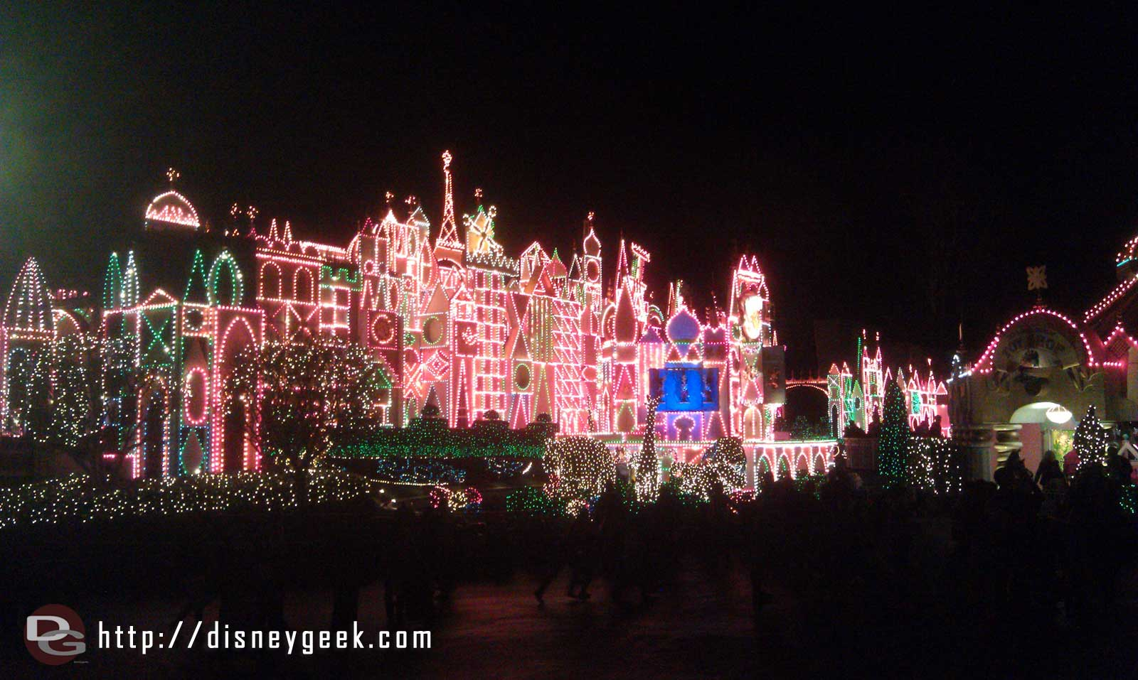 This is the last weekend to enjoy Small World Holiday until Nov.