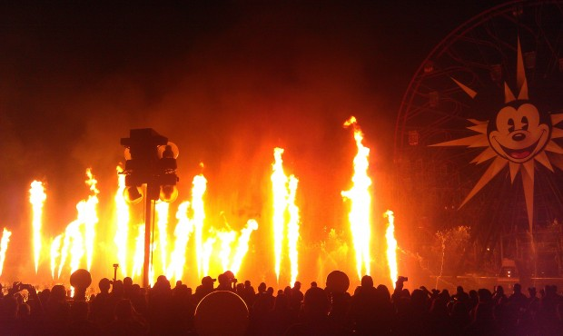 Pirates!  Fire! World of Color