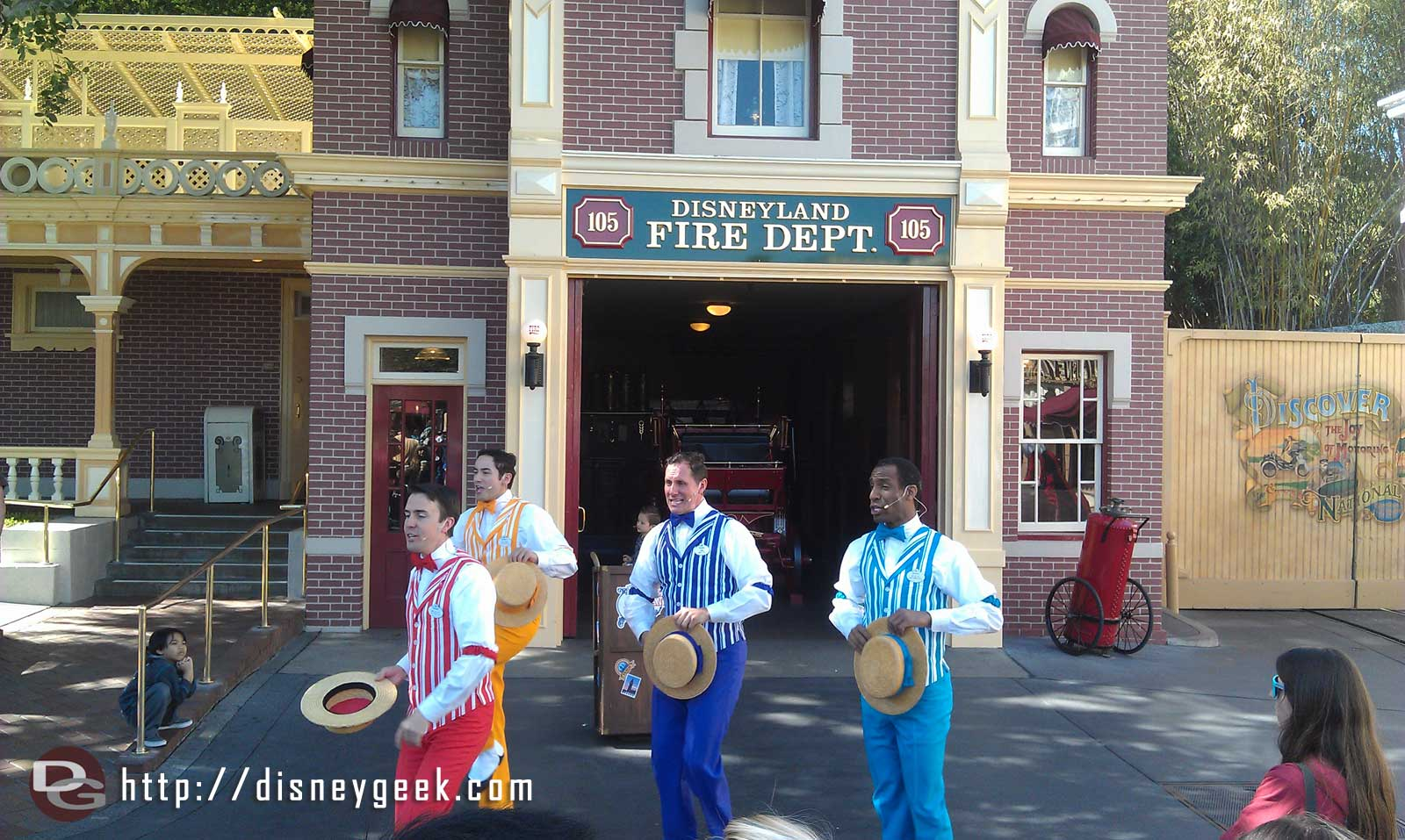 Starting off my afternoon with the Dapper Dans of #Disneyland today.